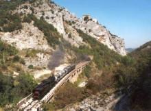 Treno vicino a Bellisio Sofare