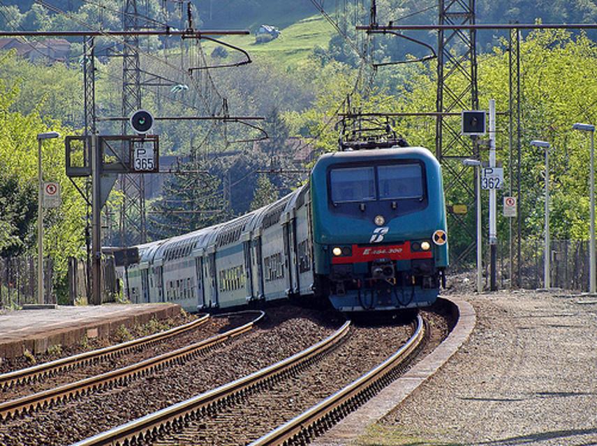 Treno-Trenitalia-2