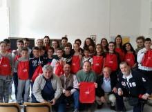 I ragazzi delle scuole medie di Cantiano nell'incontro di questa mattina